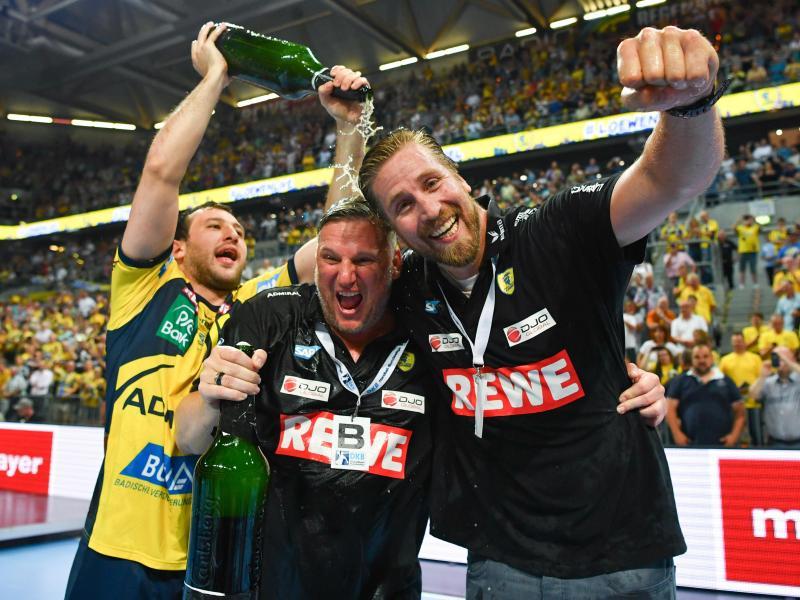 Löwen feiern Handball-Meisterschaft nach Sieg gegen Kiel