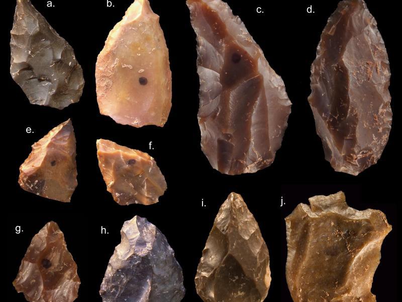Steinwerkzeuge aus der Mittleren Steinzeit, die in Jebel Irhoud (Marokko) von einem internationalen Forscherteam gefunden wurden. Foto: Mohammed Kamal/Max Planck Institut für evolutionäre Anthropologie/dpa