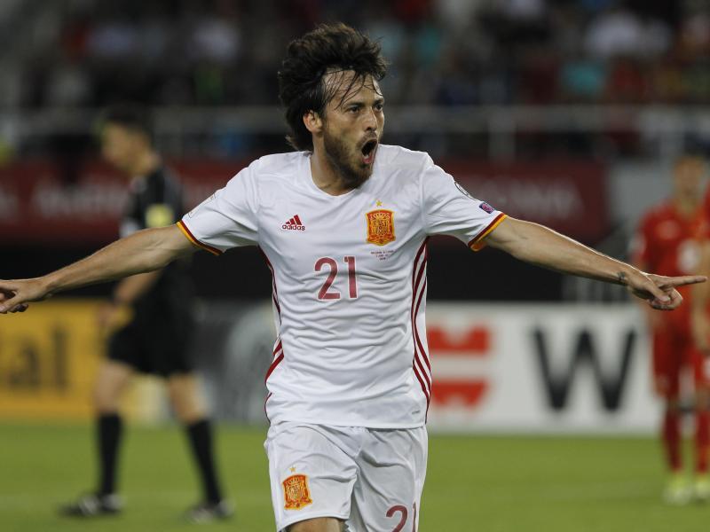 Spanien und Italien gleichauf – Irre Spiele in Europa
