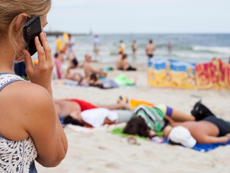 Gute Nachricht für Verbraucher: In der EU entfallen Handy-Zusatzkosten