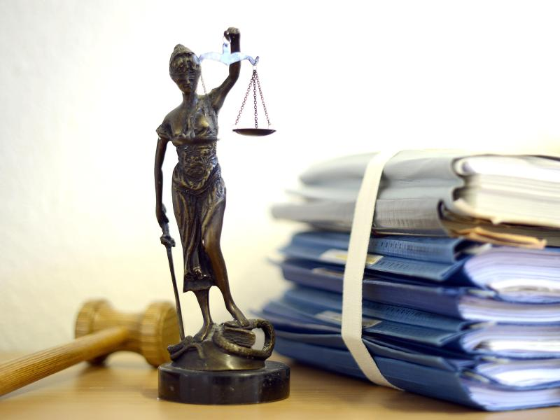 Justiz komplett überlastet: Vergewaltiger und Geiselnehmer freigelassen