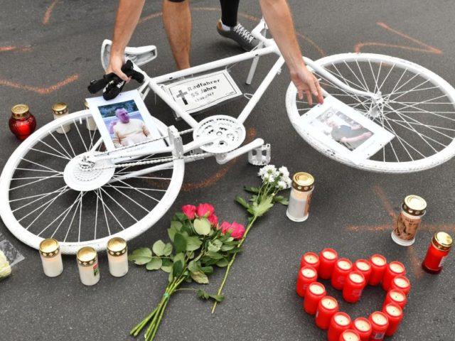 Gedenken an der Unfallstelle. Foto:/dpa