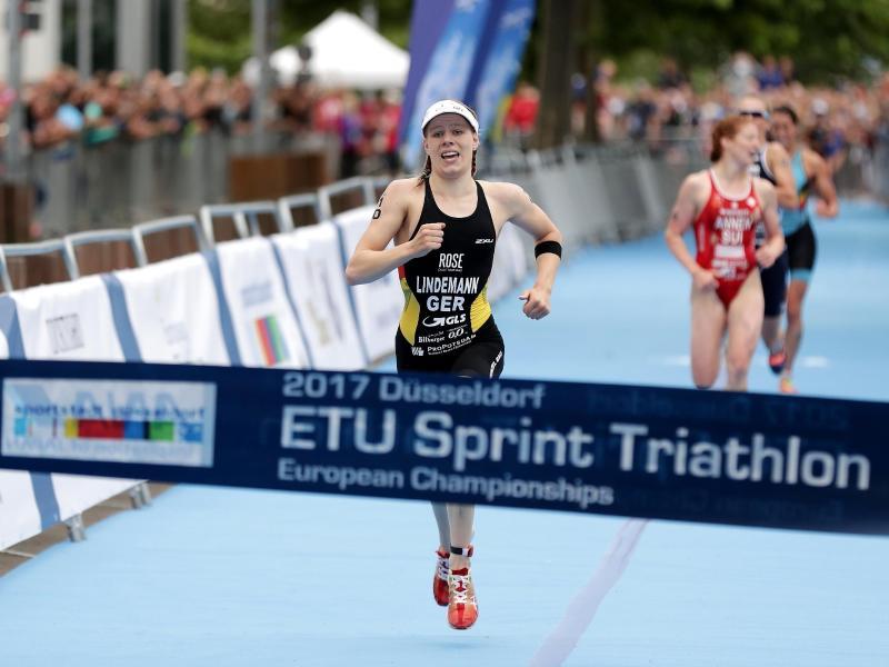 Triathletin Laura Lindemann holt sich EM-Titel imSprint