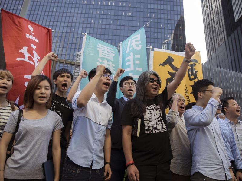 Hongkong: Proteste gegen neue Regierungschefin Lam – Xi an Demonstranten: Autorität Pekings nicht anzweifeln