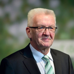 """""""Impfen ist Bürgerpflicht"""": Kretschmann schließt Impfpflicht nicht aus"""