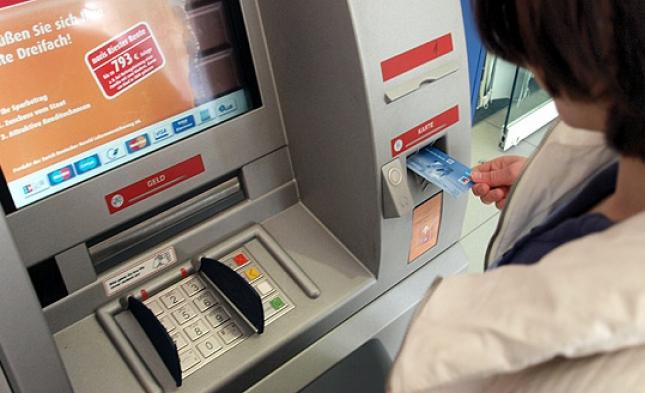 1.000 Geldautomaten außer Betrieb, bis 300 abgebaut: Bargeldnachfrage sinkt um bis zu 75 Prozent