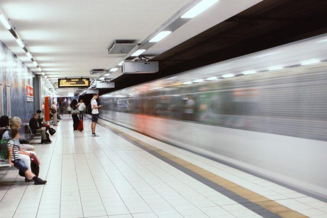 Randalierer legen U-Bahn in Berlin komplett lahm