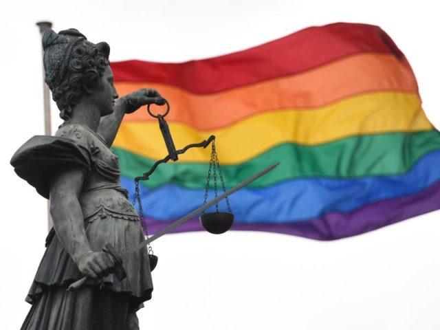 Verfassungsklage gegen Homoehe: Kommt CSU-Entscheidung noch vor Bundestagswahl?