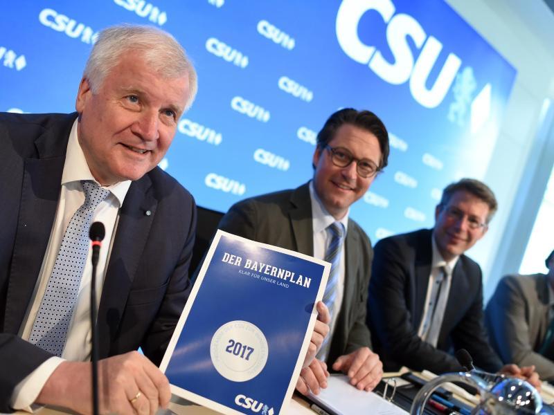 CSU beschließt Wahlprogramm mit Obergrenze für Flüchtlinge bei 200.000 pro Jahr