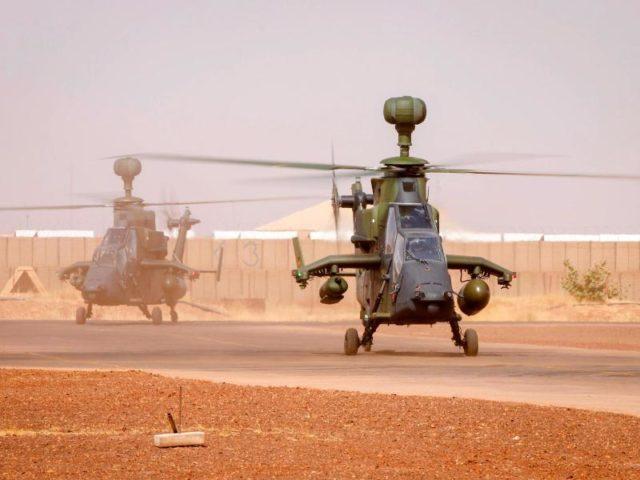 Ankunft der ersten zwei Kampfhubschrauber des Typs Tiger in Mali. Foto: Marc Tessensohn/dpa