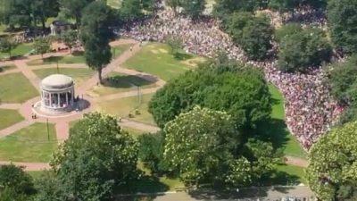 Trump lobt Bostoner Demo gegen Hass – Was steckt dahinter? (+VIDEO)