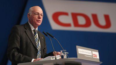 Bundestagspräsident will Urheber von Hass-Kommentaren sanktionieren – Kritik erlaubt aber keine Verleumdung