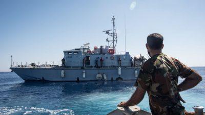 Libyens Küstenwache setzt NGO-Schiff fest – Identitäre Bewegung behauptet, beteiligt zu sein