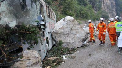 Zehntausende nach Beben in chinesischer Provinz Sichuan in Sicherheit gebracht
