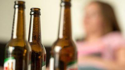 KKH: Zahl der jungen Frauen mit Alkoholproblemen ist in 10 Jahren um fast 47 Prozent gestiegen