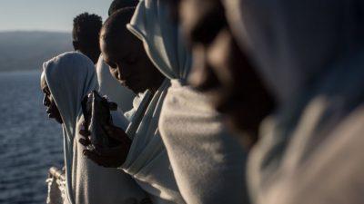 EU-Kommission fordert mehr Umsiedlungen von Flüchtlingen aus Niger und Ruanda