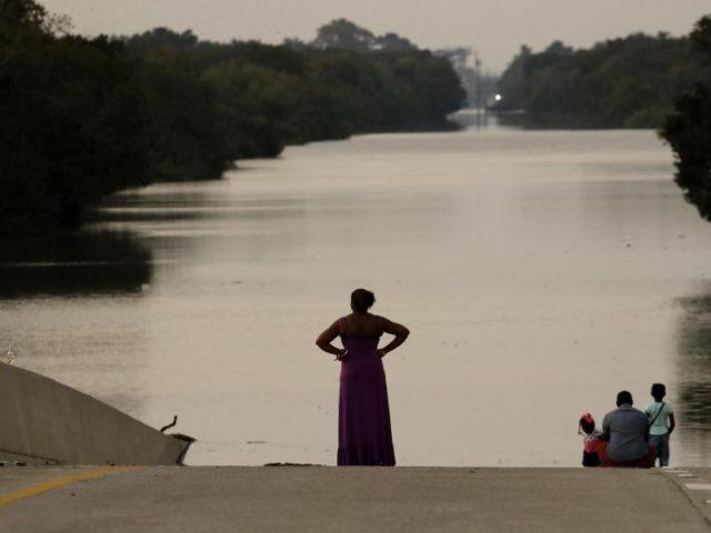 Texas kämpft bereits seit einer Woche mit den Folgen von «Harvey». Foto. Charlie Riedel Foto: Charlie Riedel/dpa
