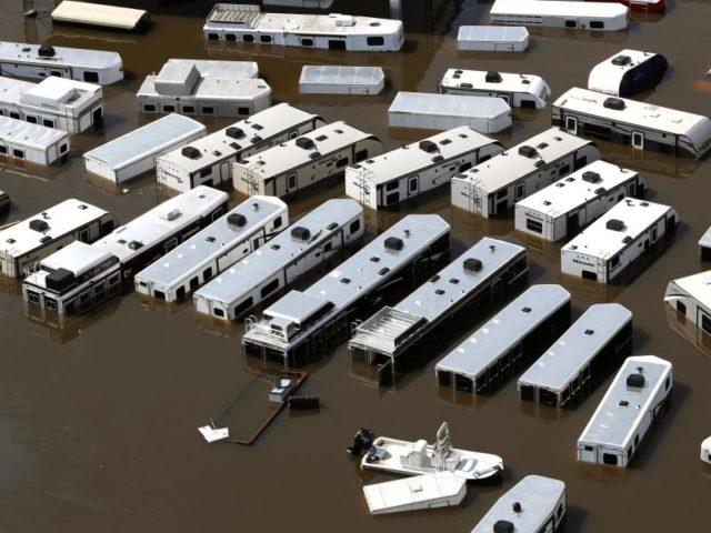 Binnen weniger Tage fielen in Texas bis zu 1250 Liter Regen pro Quadratmeter. Foto: Brett Coomer/dpa