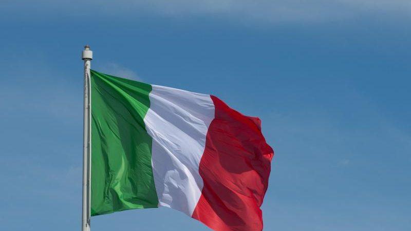 italien ist mit 132 prozent verschuldet erlaubt sind 60. Black Bedroom Furniture Sets. Home Design Ideas