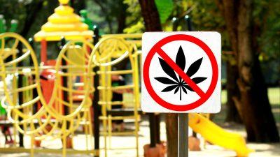 """""""Für unsere Kinder!"""" – Vater setzt starkes Zeichen gegen Drogendealer auf Kinderspielplatz"""