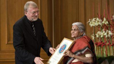 93-Jährige kämpft seit über 60 Jahren gegen Armut und Korruption in Indien – mit Erfolg!