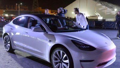 Schwache Zahlen: Tesla lieferte im 3. Quartal nur 260 Mittelklassewagen Model 3 aus