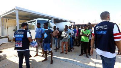 UNO-Flüchtlingshilfswerk will Umsiedlung von Libyen nach Europa