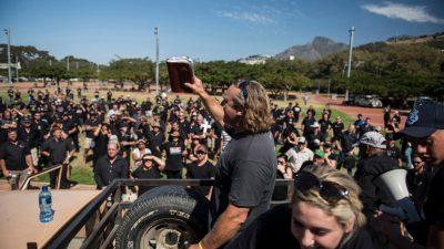 """Stoppt die Farm-Morde"": Hunderte in Südafrika demonstrieren gegen Gewalt gegen weiße Farmer"