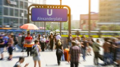 Die Hälfte der Deutschen traut keiner Partei zu, mit den Problemen fertig zu werden