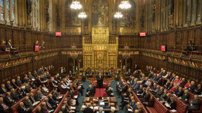 """Sexuelle Belästigung im Westminster: May beklagt Machtmissbrauch – """"Seit zu vielen Jahren hat es zu viele Fälle gegeben"""""""