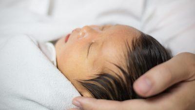 Gelbsucht bei Baby – Internet-Kommentar rettet Leben eines Neugeborenen