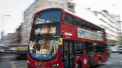 Londoner Doppeldeckerbusse nutzen Kaffeesatz als Treibstoff