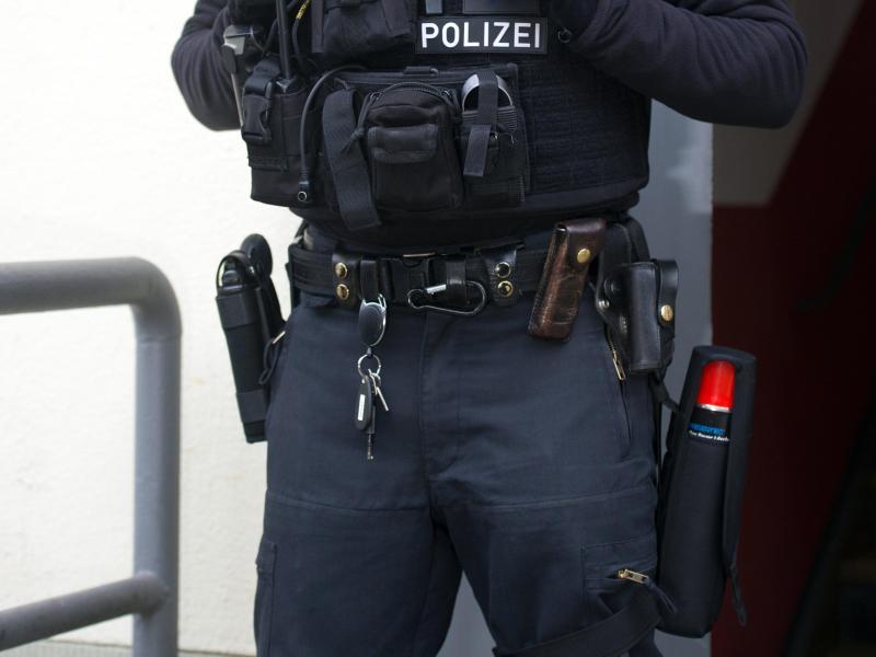 """Bundesweite Terror-Razzia gegen """"Hilfsvereine"""" – Auch Ex-Bundesligaprofi im Visier"""