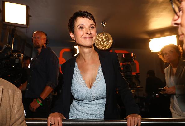 Watch Die Familie 2017 Online: Für Frauke Petry War Die Familie 2017 Das Wichtigste