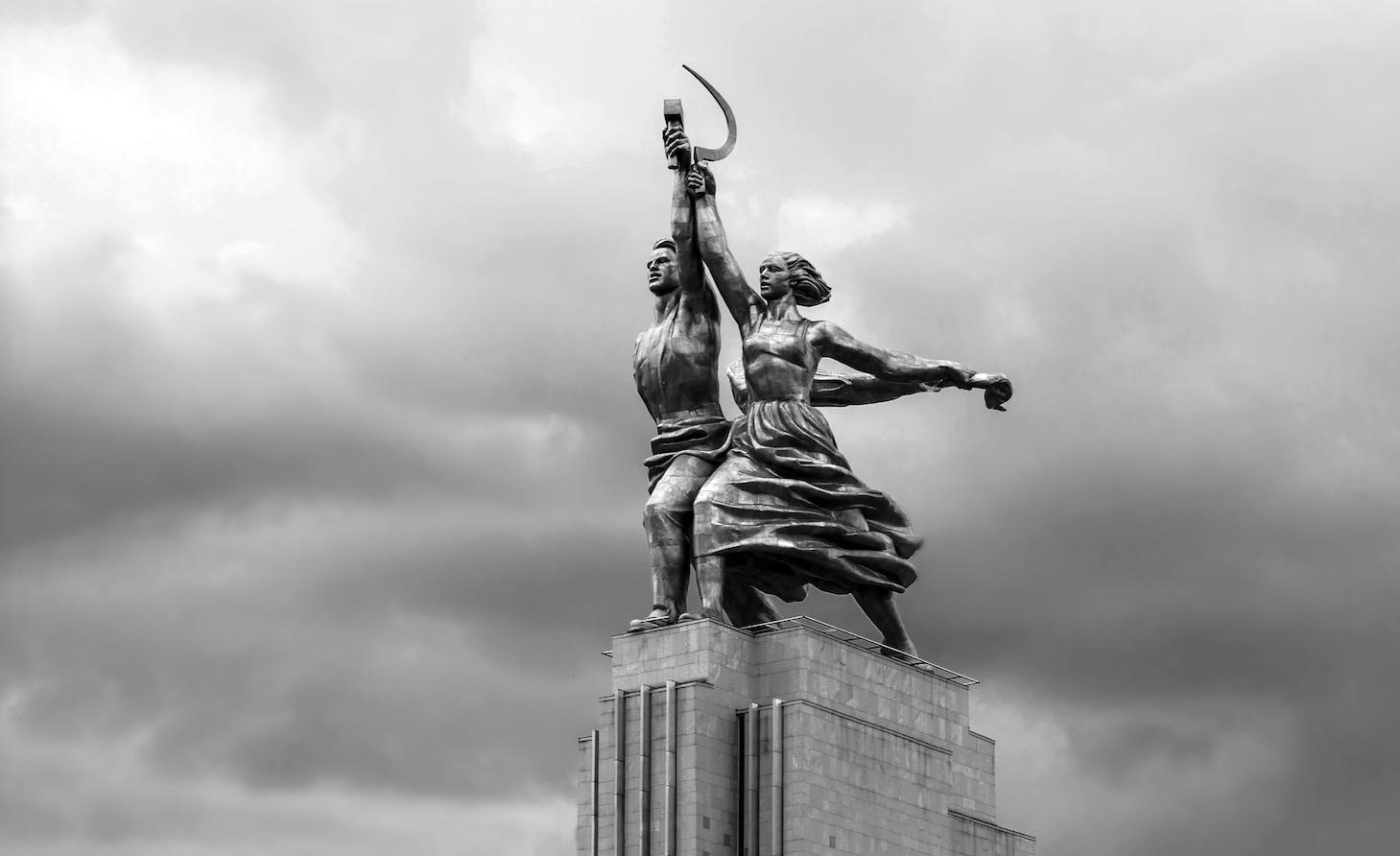 Die 45 Ziele des Kommunismus zur Errichtung der Weltherrschaft: Schulen, Medien, Kirche, TV, Kunst… kontrollieren – und die UN fördern