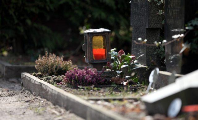 """Viersen: Seniorin (65) beim Friedhof vergewaltigt – Polizei verhaftet """"Mann"""" – Psychiater hält Täter für unterentwickelt"""
