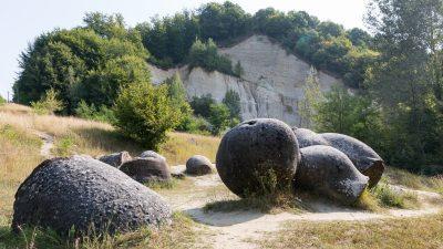 Diese merkwürdigen Steine können wachsen, sich bewegen und vermehren