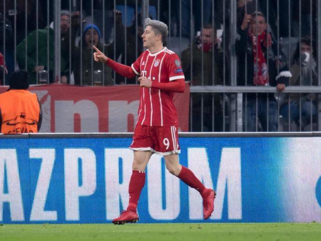 Robert Lewandowski jubelt über seinen Treffer zum 1:0 gegen PSG. Foto:Sven Hoppe/dpa