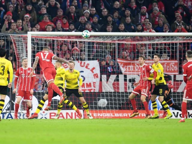 Jerome Boateng erzielte per Kopfball das frühe 1:0 für den FC Bayern. Foto: Tobias Hase/dpa