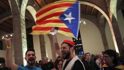 """Katalanische Unabhängigkeitsbefürworter drohen """"zivilen Ungehorsam"""" an"""