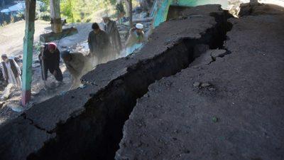Starkes Erdbeben versetzt Menschen in Afghanistan, Pakistan und Indien in Angst