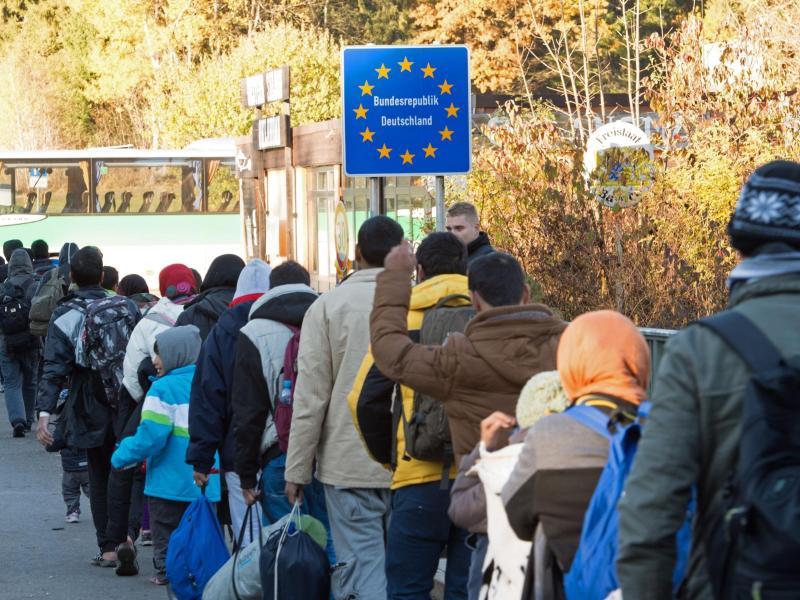 """Aktionsplan: Deutschland bekennt sich als Einwanderungsland – Berlin nennt Zuwanderung """"Bereicherung"""""""