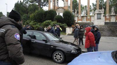 Eskalation in Italien: Schüsse aus fahrendem Auto auf afrikanische Ausländer