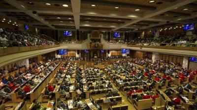 Abgeordnete in Südafrika stimmen für Enteignung von Farmern