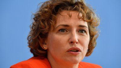 FDP-Politikerin Nicola Beer diskutiert mit Markus Lanz über Organspende