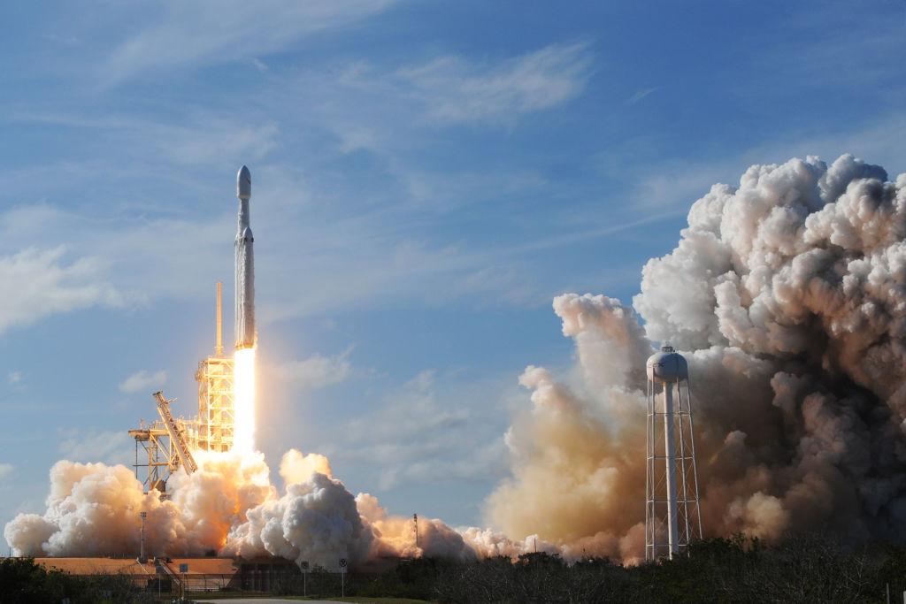 """Russische Raumfahrtagentur """"Roskosmos"""" gratuliert SpaceX zu erfolgreichem Raketenstart"""