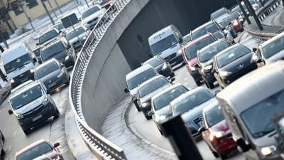 """Grüne werfen Scheuer beim Autobahnbau """"Privatisierungswahn"""" vor"""