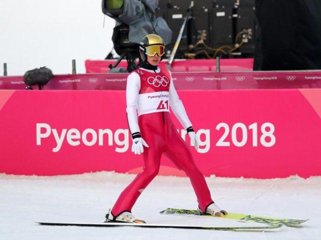 Eric Frenzel nach seinem Sprung bei der Nordischen Kombination. Foto: Daniel Karmann/dpa