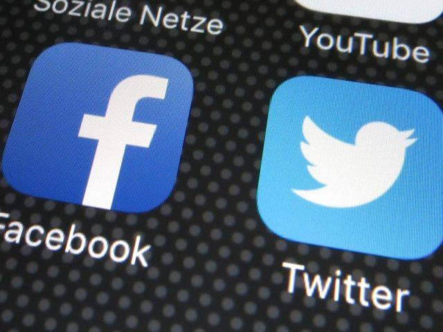 Facebook und Twitter sperren Trump