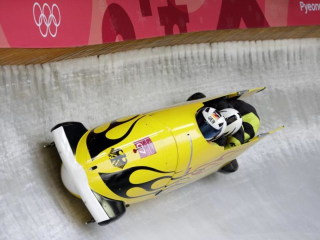Auf Goldkurs: Der deutsche Viererbob um Zweierbob-Olympiasieger Francesco Friedrich. Foto: Michael Sohn/dpa